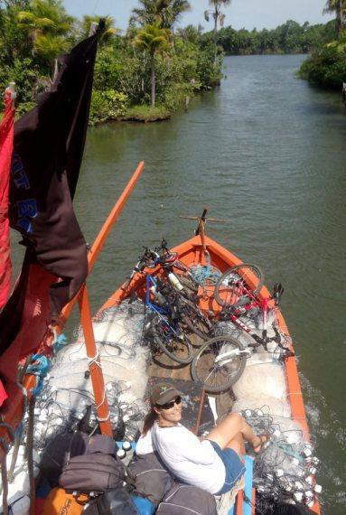 Plus de quatre heures de bateau pour rejoindre le petit village d'Atins