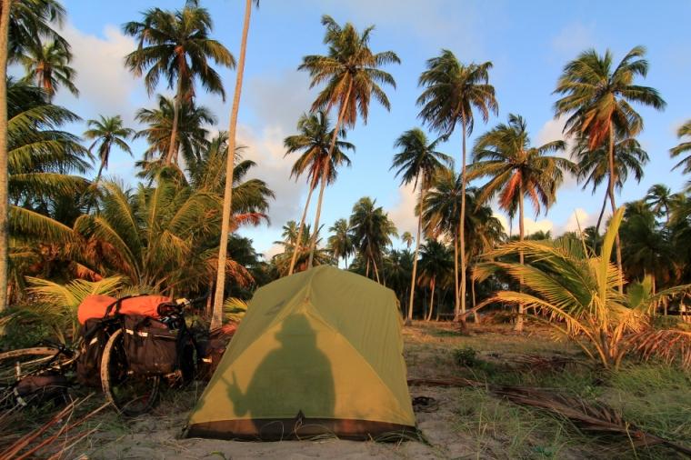 Notre campement près des cocotiers