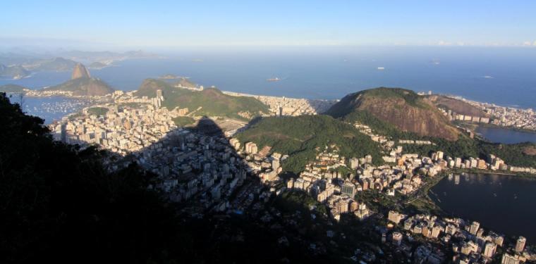 5-Paysage-vu-depuis-train-cremaillere-Christ-Redempteur-RDJ-Rio-de-Janeiro-Bresil©TerraTributa (2)