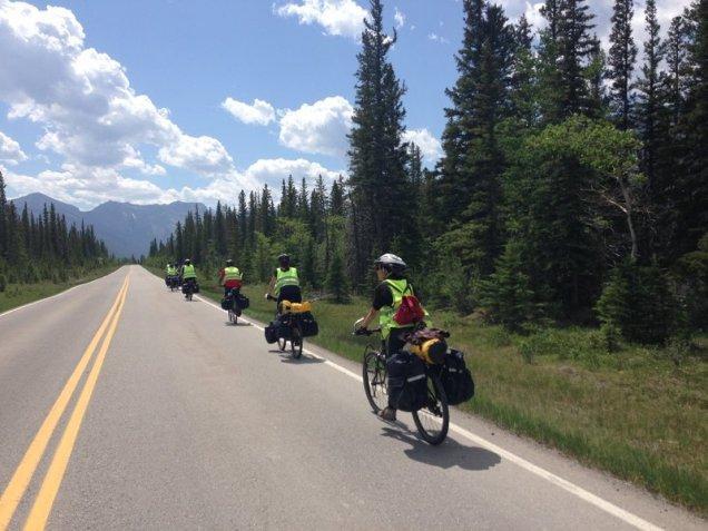 Cyclotourisme-dans-louest-canadien-2